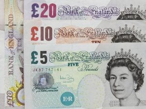 The Queen of England on bank notes