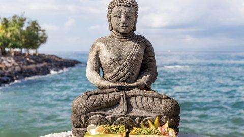 image of a buddha statue