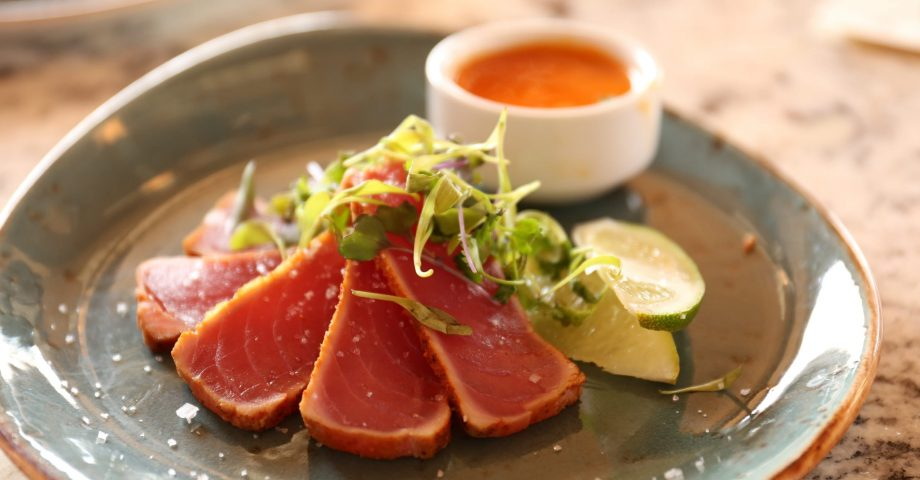 nutrition facts about tuna