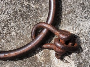 an iron ring shackle